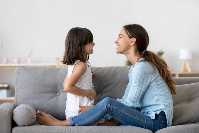 Quelques façons d'aider votre enfant à grandir heureuses